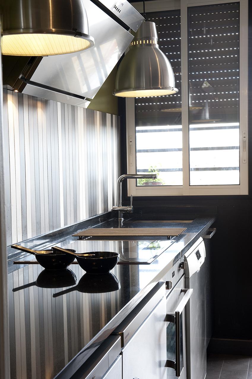 cuisine citrine et grise arlinea architecture. Black Bedroom Furniture Sets. Home Design Ideas