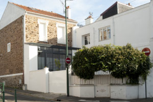 Rénovation d'une meulière : ouverture de la façade et des murs porteurs intérieurs